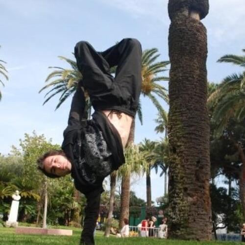 Loup - FREE-RUNNING - PARKOUR ....CANNES