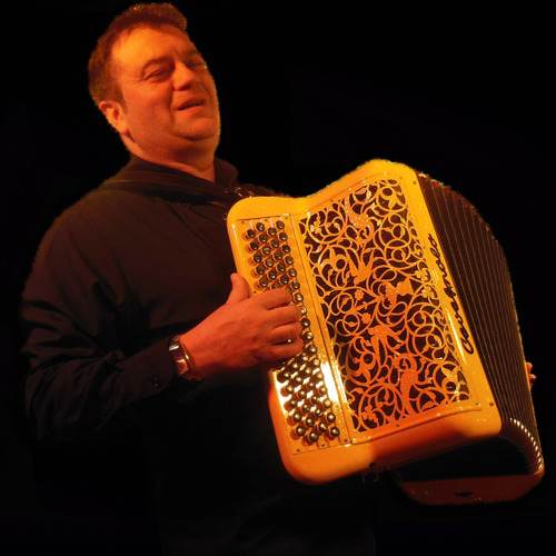 ARMEL MAILLY  ACCORDEONISTE PROFESSIONNEL MUSETTE VARIETE NORMANDIE