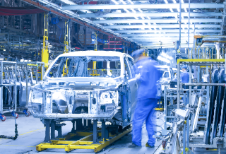 Augmented & Connected worker: An automotive use case
