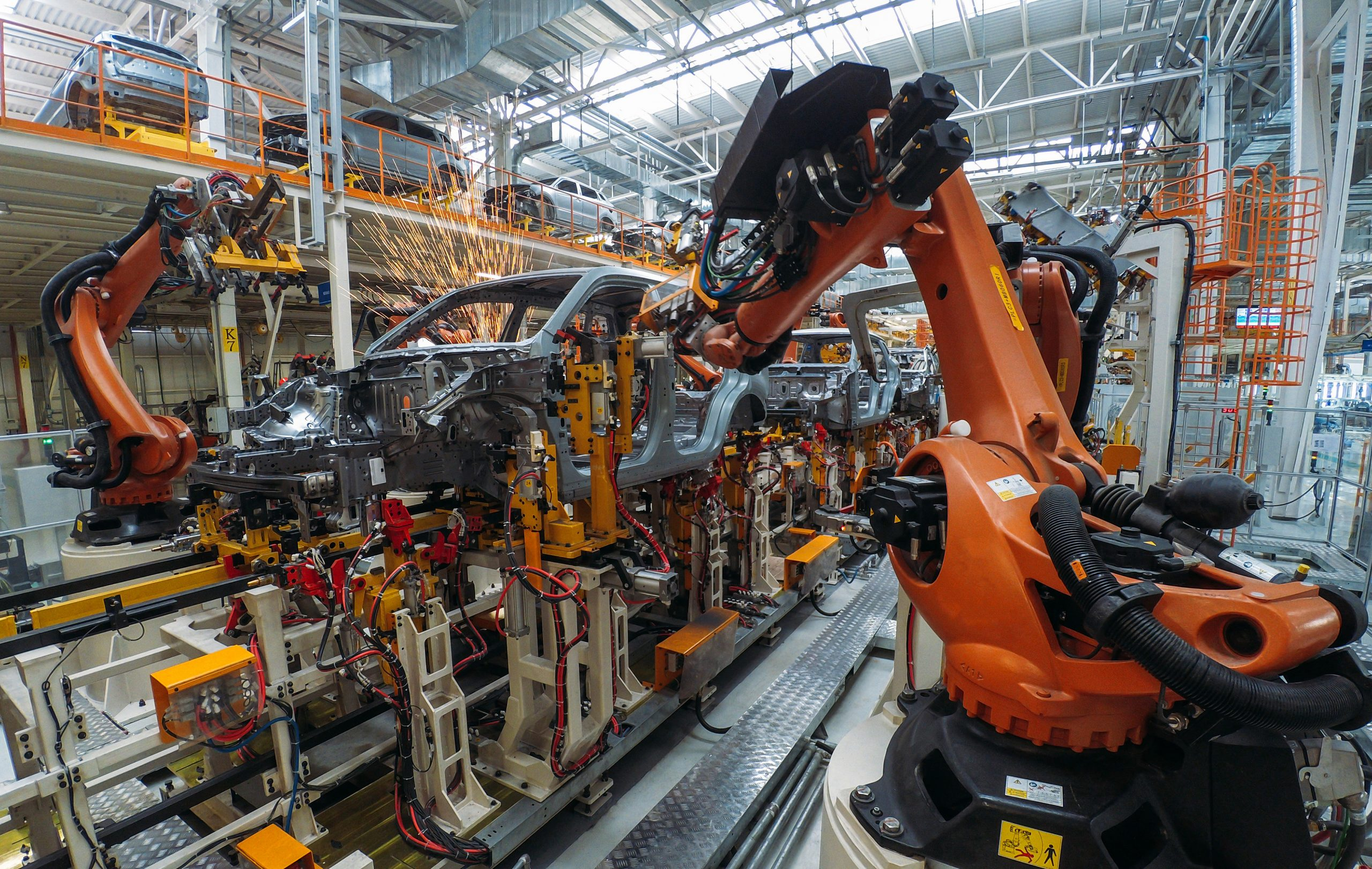 Top 5 automotive leader increased productivity across several factories across the world.