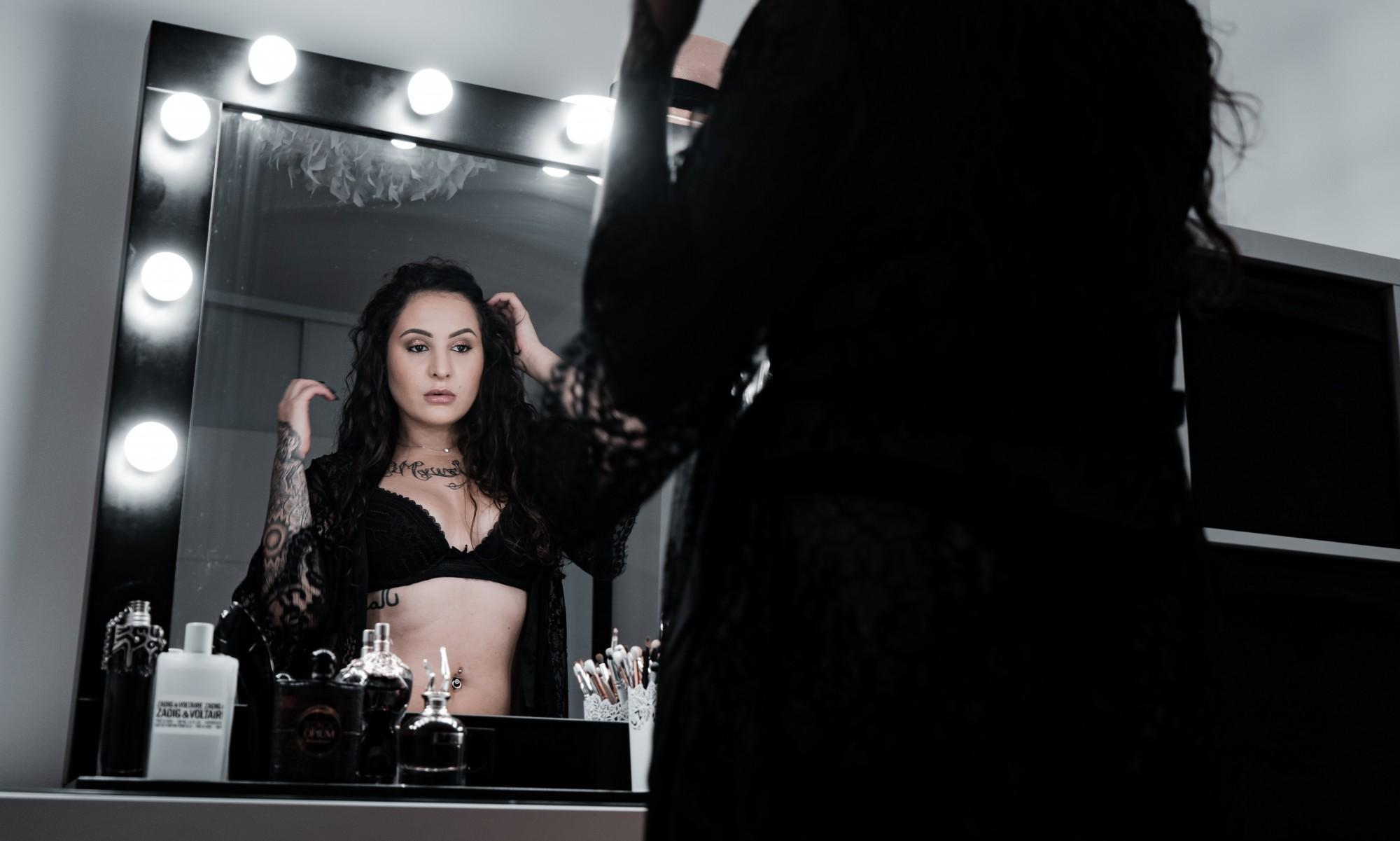 Reflets dans le miroir avec Kim