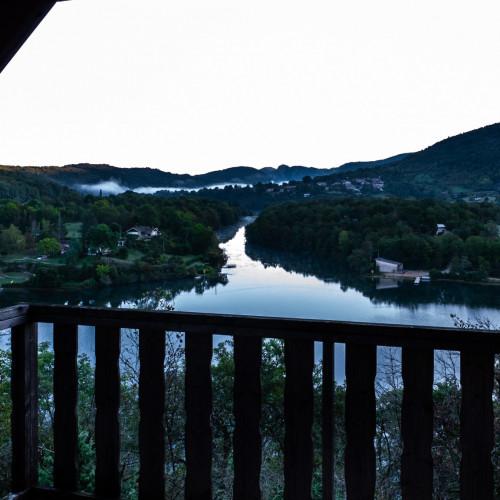 Serrires-sur-Ain au lever du soleil - Ain, Rhône-Alpes