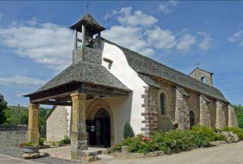 Une église typique à St Côme d'Olt en Aveyron