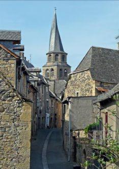 Le clocher Tors à St Côme d'Olt