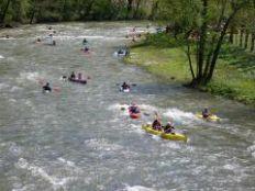 Le canoë, une des activités du camping Bellerive