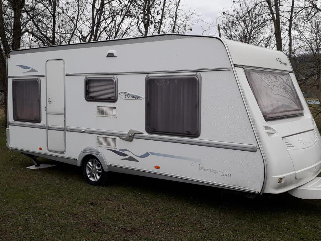 Caravane en location au camping Belllerive
