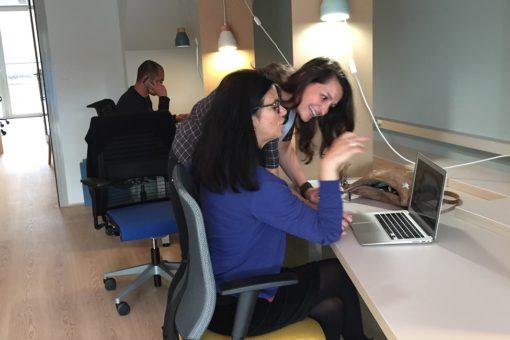 Coworking en face de la piscine à Lyon - Ambiance de travail