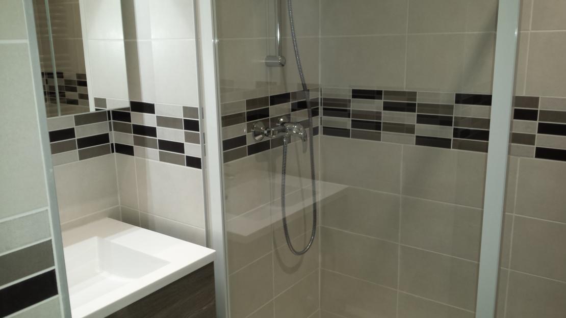 Salle de bain à Le Grau du Roi près de la Grande Motte